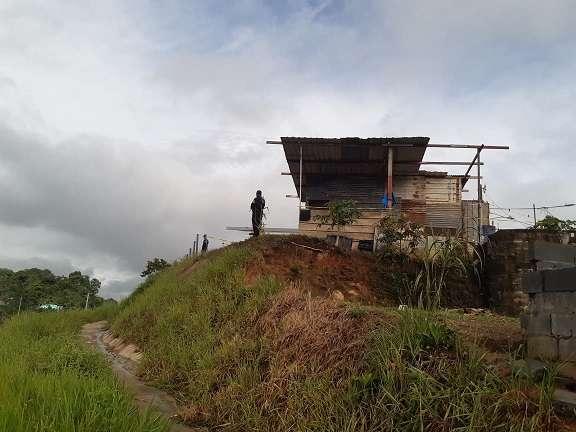 Según residentes del sector se escucharon unas seis detonaciones de arma de fuego. Foto: Edwards Santos