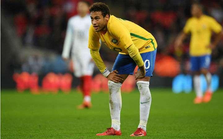 Neymar estaba de baja desde febrero pasado, cuando sufrió una fractura en el quinto metatarsiano del pie derecho. Foto EFE