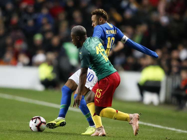 La lesión le llega a Neymar a una semana de que el PSG dispute el vital partido de Liga de Campeones. Foto: AP