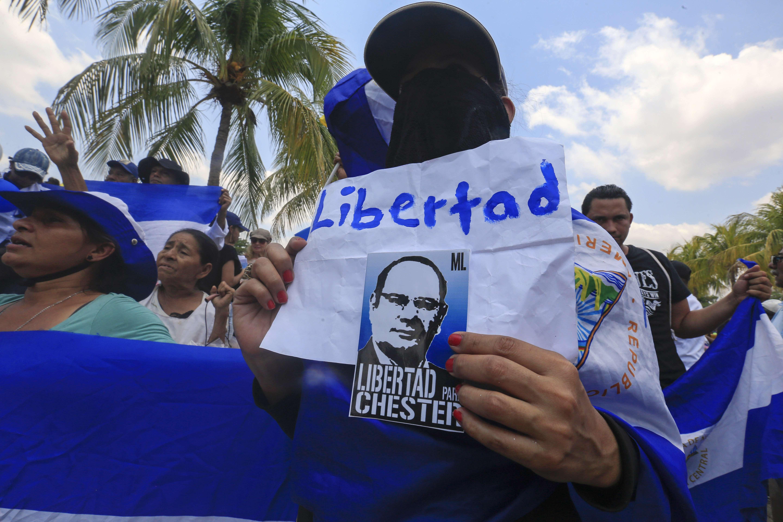 """""""La verdad es que, confianza en el Gobierno, nosotros no tenemos"""", dijo el papá del manifestante preso Edwin Carcache"""