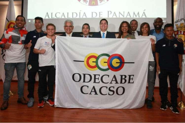 Presentación de la bandera de los Juegos Centroamericanos y del Caribe 2022. Foto: Anayansi Gamez
