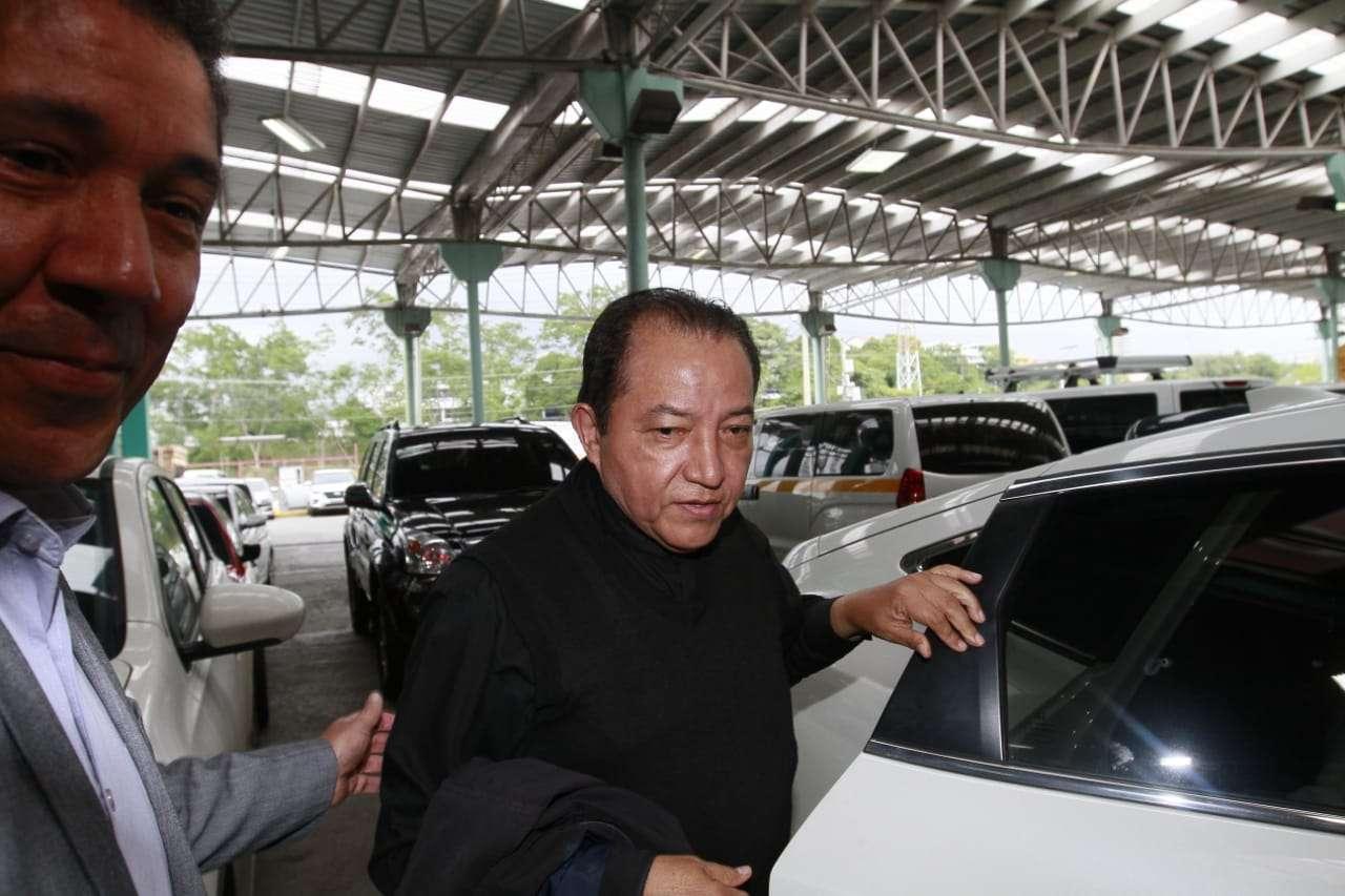 Padre David Cosca a su llegada al Sistema Penal Acusatorio. Foto: Edwards Santos