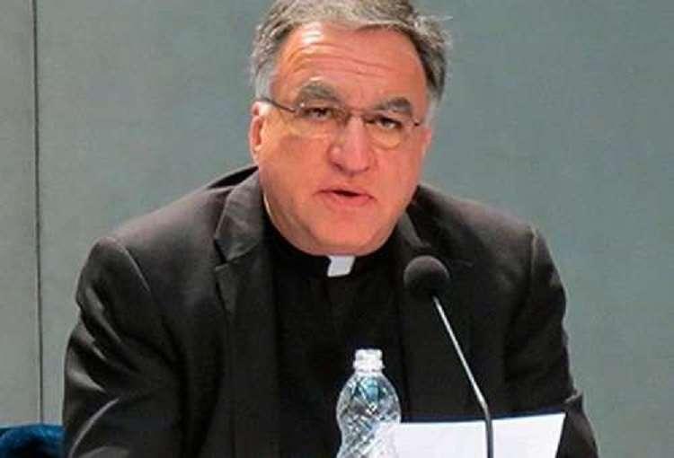 Según informó el padre Thomas Rosica, la pregunta original no menciona el caso de las uniones homosexuales. Foto: ACI Prensa