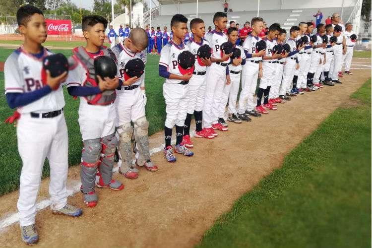 El equipo Sub-12 de Béisbol de Panamá. Foto: Fedebeis