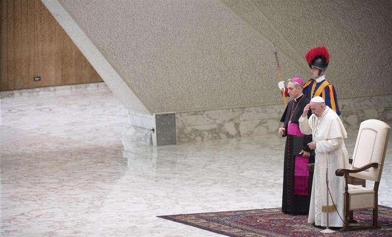 El papa Francisco preside la audiencia general semanal en el aula Pablo VI en la Ciudad del Vaticano. EFE/Archivo