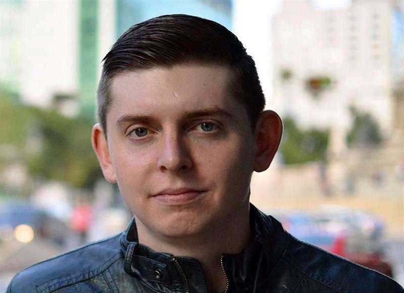 Fotografía del perfil en Facebook del periodista estadounidense Cody Weddle, del canal de televisión Local 10 de Miami (Florida), quien fue deportado de Venezuela. EFE/Cody Weddle/Facebook