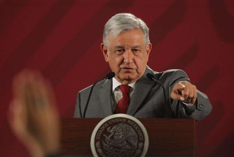El presidente de México, Andrés Manuel López Obrador, habla durante una rueda de prensa hoy, viernes 31 de mayo de 2019, en el Palacio Nacional de Ciudad de México. EFE