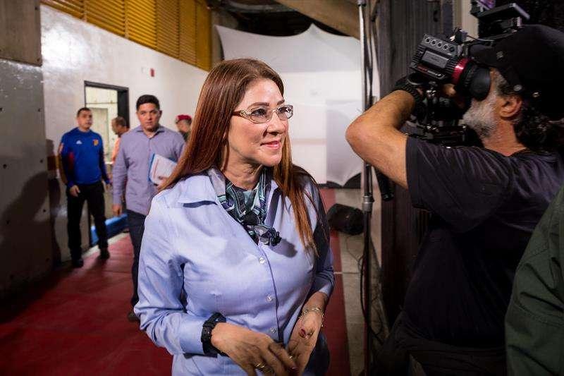 En la imagen un registro de la primera dama de Venezuela, Cilia Flores (c), en Caracas (Venezuela). EFE/Archivo