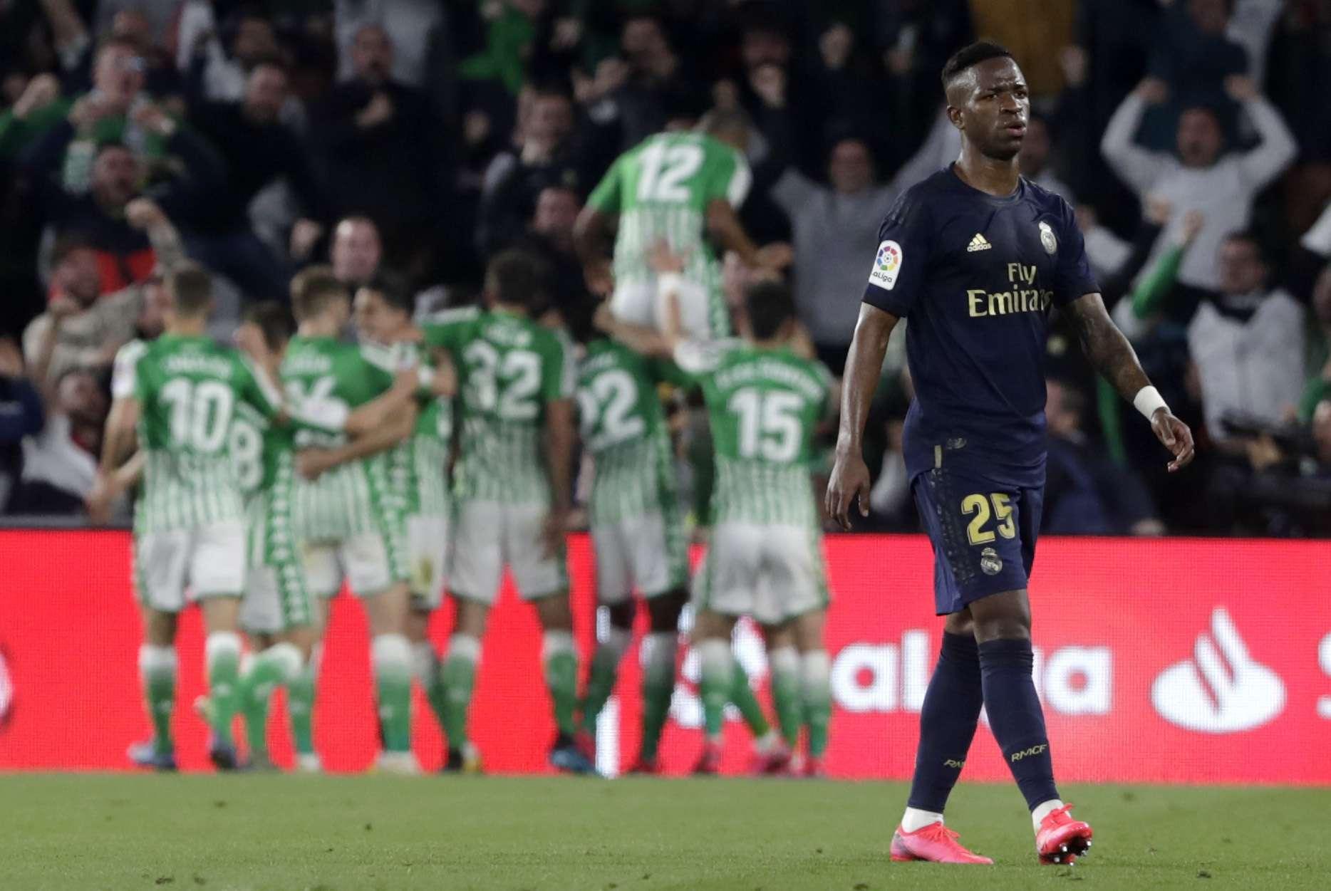 Vinicius Junior reacciona tras perder ante el Betis. Foto: AP