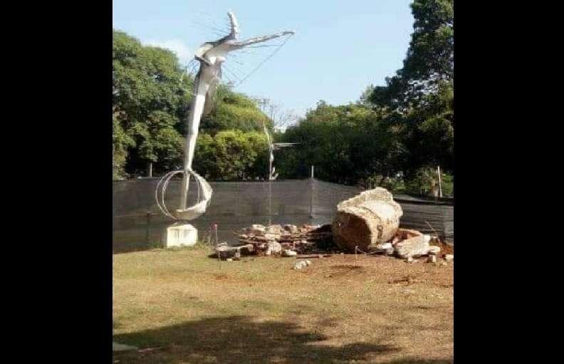 Una de las cuatro esculturas que existen se encuentra en Panamá