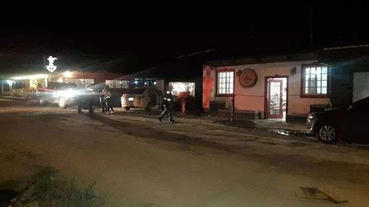 Vista general de la parte externa del local comercial en donde ocurrió el robo. Foto: Mayra Madrid