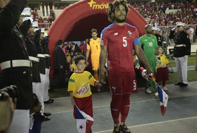 El defensor de Panamá Román Torres. Foto: Anayansi Gamez