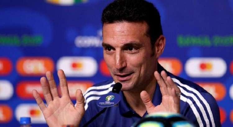 En diciembre de ese año la AFA, ante los buenos resultados obtenidos, lo ratificó en su cargo hasta la Copa América de Brasil 2019. Twitter