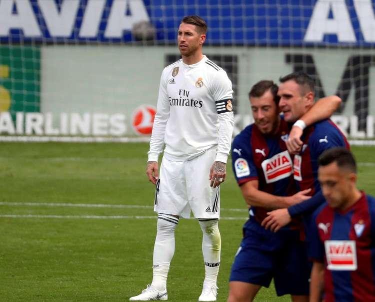 El entrenador señaló que Sergio Ramos es honesto y un emblema del Real Madrid. Foto: EFE