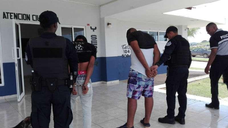 Sujetos detenidos por robo y privación de libertad . Foto: Eric Montenegro
