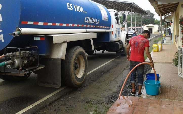 El Idaan solicitó a los residentes usar el agua potable únicamente para consumo humano.