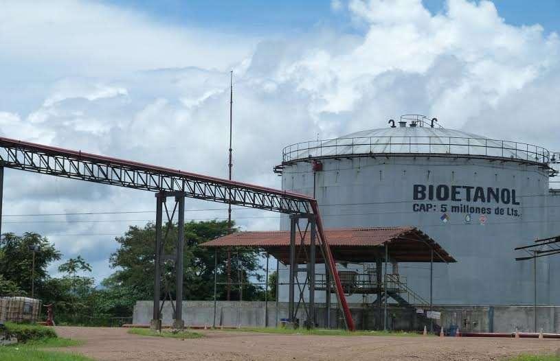 Tanques de almacenamiento de etanol de lo que fue la empresa Campos de Pesé. Foto: Archivo