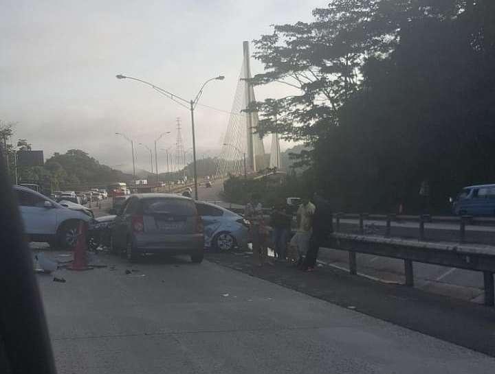 Vista general del accidente en vía Centenario. Foto: @TraficoCPanama
