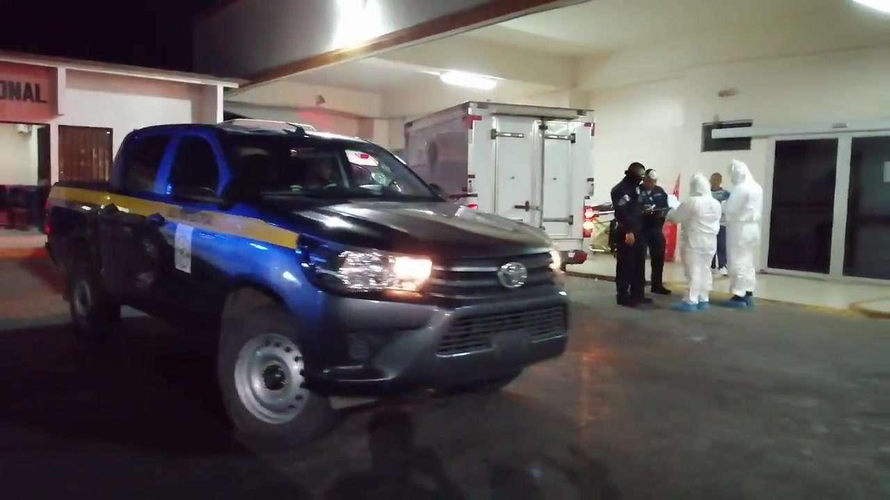 El hombre, de 45 años, fue evacuado hacia la policlínica de la CSS en San Carlos, en un vehículo policial.