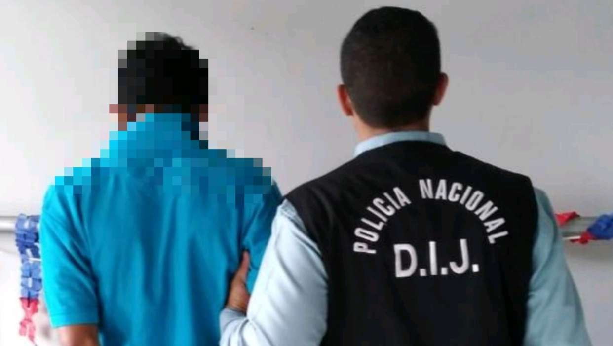 En la imagen aparece de espaldas el presunto violador. Foto: Mayra Montenegro