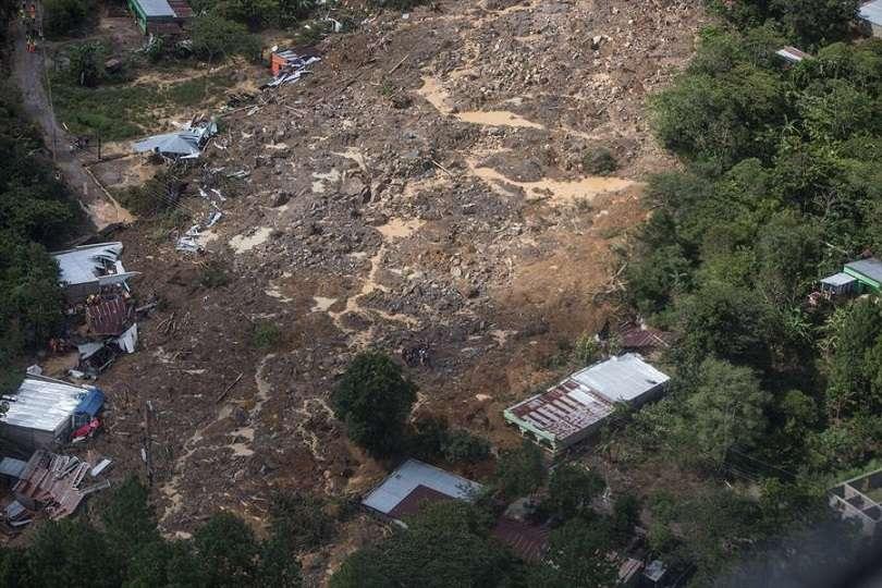 Vista aérea del 7 de noviembre aldea Quejá, TRAS el paso de la tormenta Eta, en San Cristóbal Verapaz (Guatemala). EFE