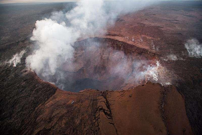 Vista aérea del volcán Kilauea, en Hawái. EFE