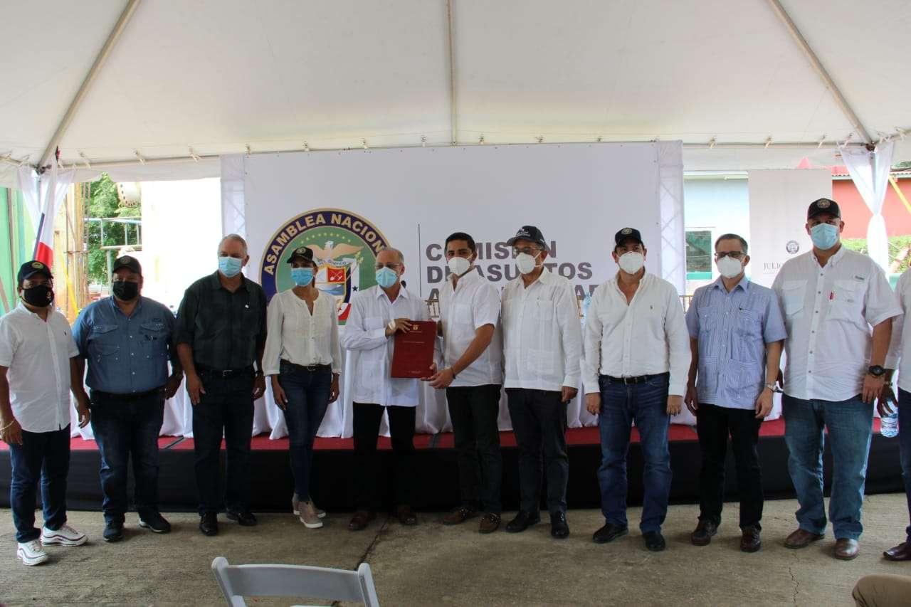 El diputado Julio Mendoza señaló este proyecto de ley de la mano del Órgano Ejecutivo generará 60 mil empleos a nivel nacional.