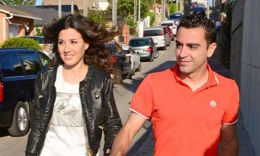 Xavi Hernández y su esposa Núria Cunillera.