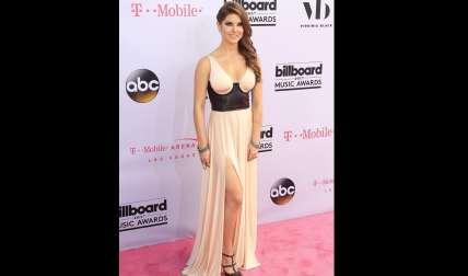 La actriz estadounidense Amanda Cerny posa a su llegada a los premios Billboard celebrados en Las Vegas.  /  Foto: EFE