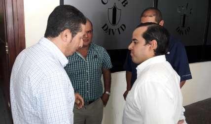 Productores y el ministro Carles. (Foto: José Vásquez)