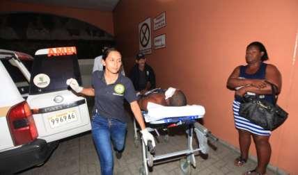 El menor baleado en el ojo fue trasladado al Hospital Santo Tomás.  Foto Alexander Santamaría Crítica