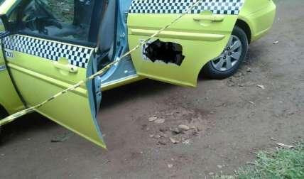 Taxi que fue robado. Foto José Vásquez Corresponsal