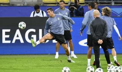Zidane insistirá en las rotaciones en el equipo blanco, a pesar de las críticas. Foto: AP