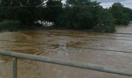 Crecida río La Villa.  /  Foto: WhatsAppCri