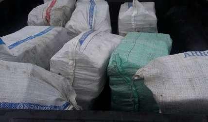 Sacos que contenían el cargamento de drogas.  Foto Cortesía