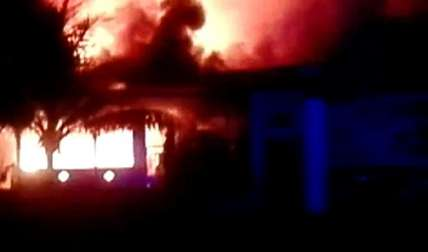 Así se veía la vivienda de los afectados. Ellos salvaron su vida. Foto Delfia Cortez Corresponsal