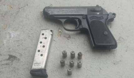 Arma decomisada la tarde de ayer. Foto Tomada de ProtegeryServir