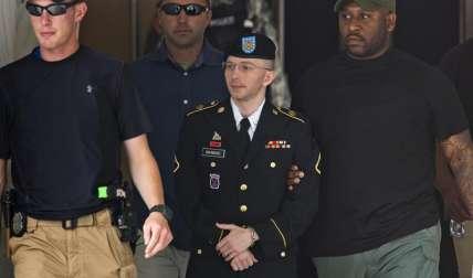 Fotografía de archivo tomada el 30 de julio de 2013 de la exsoldado estadounidense Chelsea Manning. EFE/Archivo