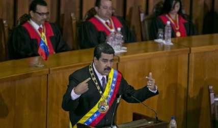El gobernante venezolano también acusó a la administración estadounidense actual de intentar influir en la política venezolana.  /  Foto: AP