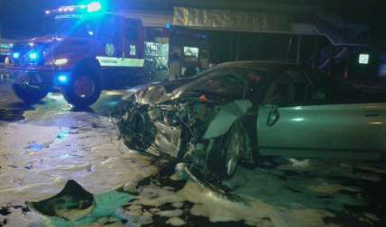 La noche del sábado se registró accidente en La Villa de Los Santos. Hubo 5 heridos.  Foto Tomada de @bomberoslosanto