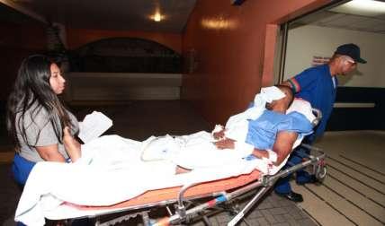 El herido fue llevado al Hospital Santo Tomás.  Foto Alexander Santamaría Crítica
