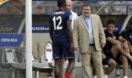 "Óscar ""Machillo"" Ramírez, técnico de Costa Rica. Foto: EFE"