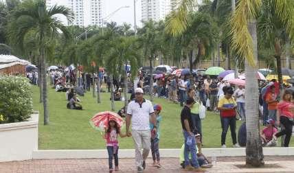 Desde muy temprano los venezolanos residentes en Panamá salieron a ejercer su derecho al voto.  /  Foto: Edwards Santos