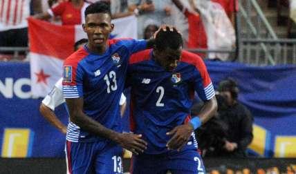 Los jugadores de la selección de Panamá Roderick Miller (13) y Amir Murillo. Foto:EFE