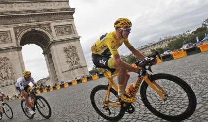 Chris Froome, en la etapa final de ayer del Tour de Francia. Foto: AP