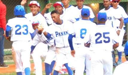 """La Selección de Béisbol Sub-15 de Panamá peleó de """"tú a tú"""" frente a los gringos. Foto: Fedebeis/ Cortesía"""