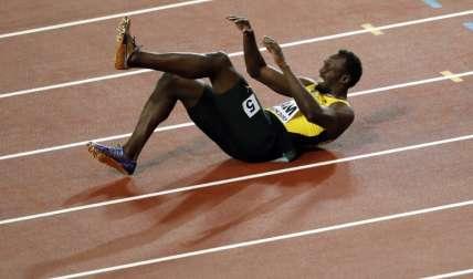 En su última salida, Bolt terminó dando vueltas en la pista. Foto: AP