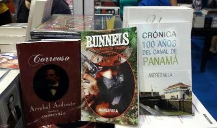 Las obras de Andrés Villa, presentes en el pabellón del Hombre de la Mancha en la Feria del Libro.