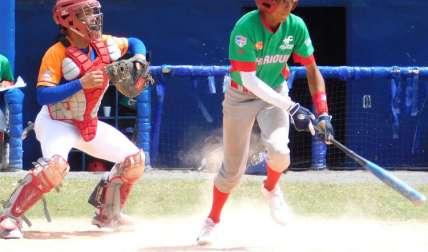Reginald Preciado (der.) es uno de los miembros de la Selección Sub-14 de Béisbol de Panamá. Foto: Fedebeis/ Cortesía