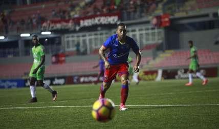 Ernesto Sinclair fue el autor del gol del empate por parte del Plaza Amador. Foto: Anayansi Gamez